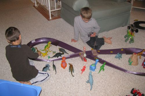 brad-car-track-dino-set-up