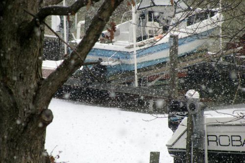 boats-in-snow