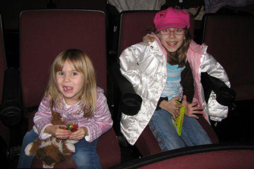 girls-at-movies1