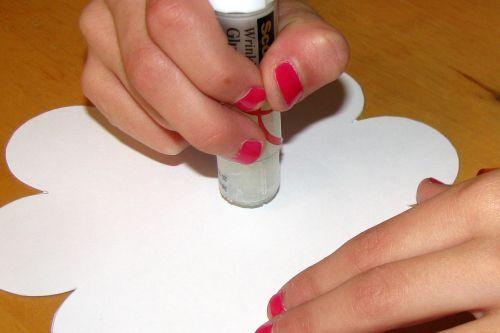 glue-flower-to-chipboard1
