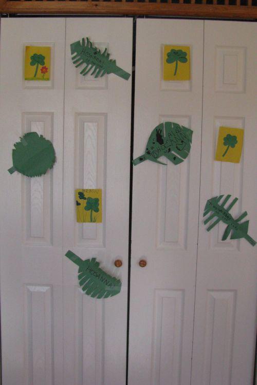 palm-leaves-doors