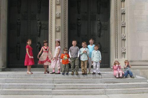 all-kids-on-steps