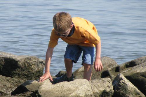 brad-climbing-rocks