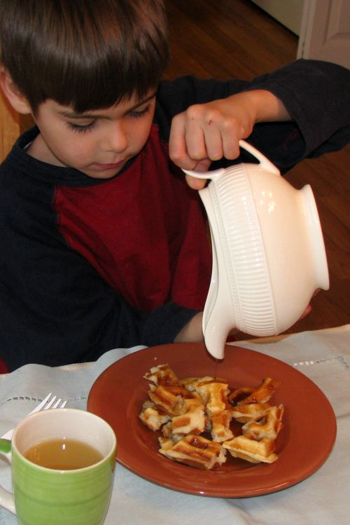pouring-with-a-gravy-boat1