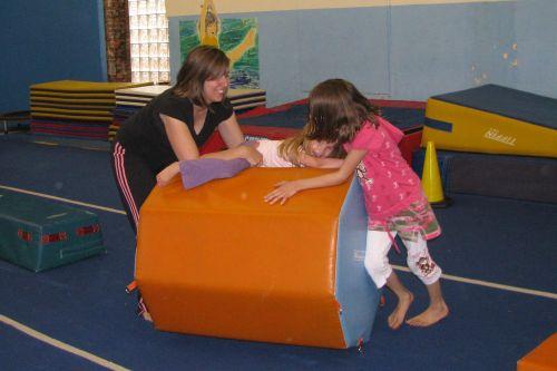 gym-girls-playing