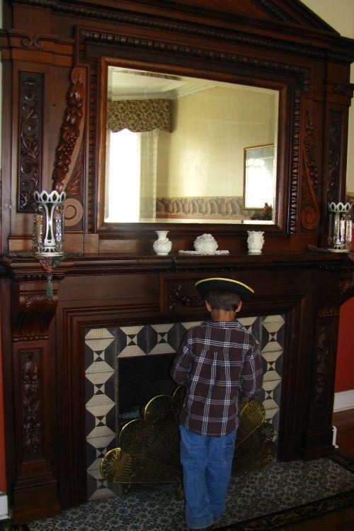 1 castle parlor